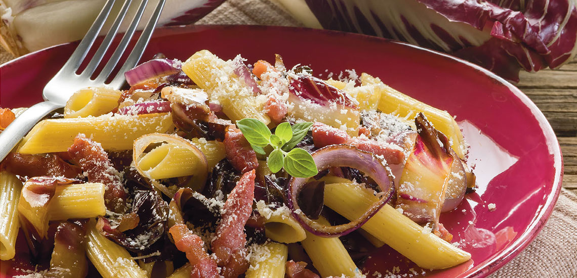Penne with red onion, radicchio and pancetta