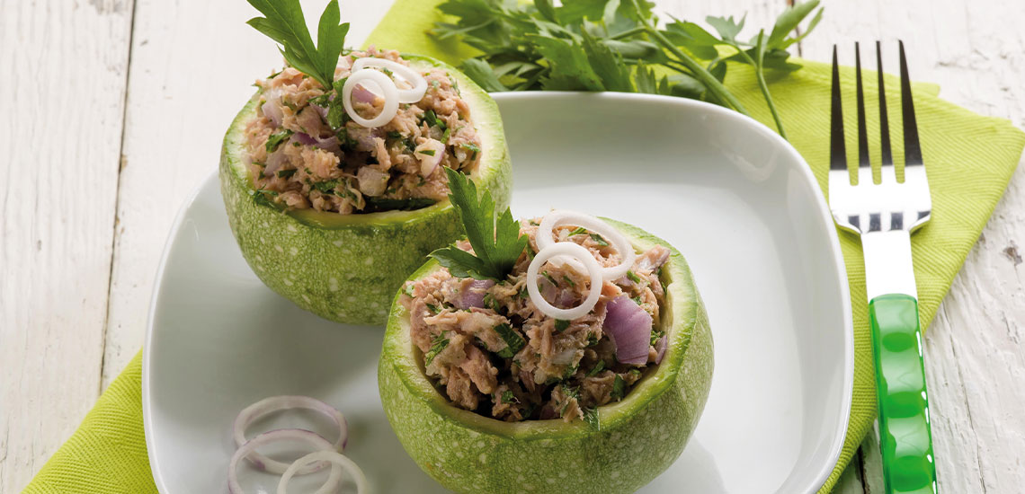 Round courgettes stuffed with tuna